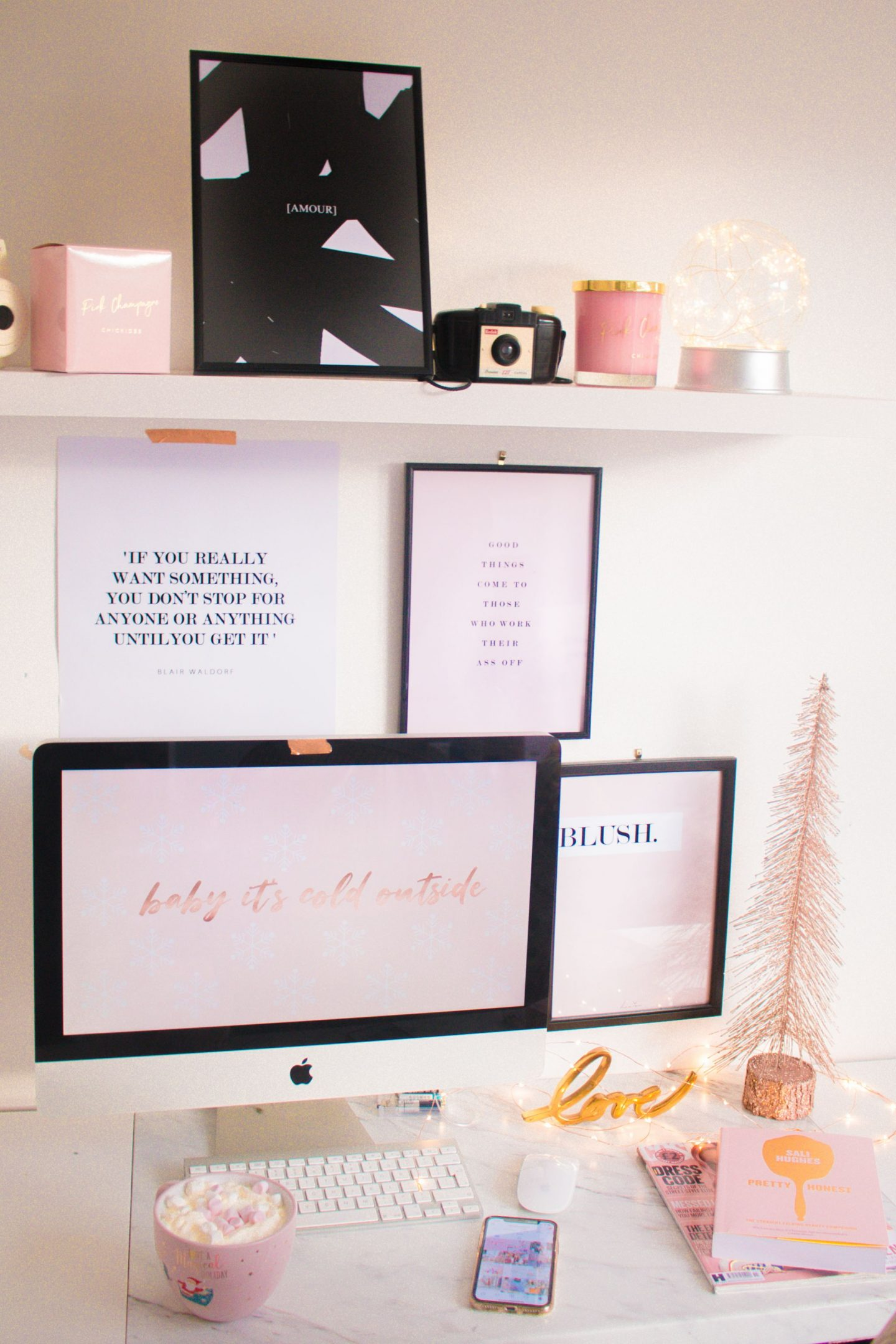 how to stay organised this Christmas, pink office, pink desk, pretty office inspo, christmas,