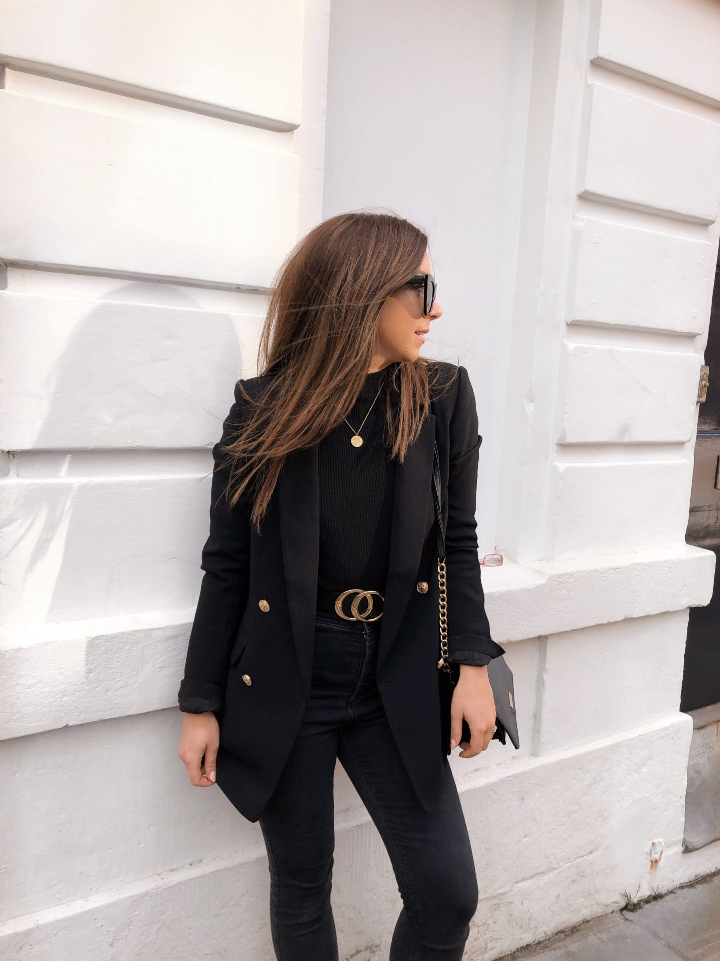 how to look chic on a budget, chic, black blazer, outfit, outfit inspo, dizzybrunette3, fashion,